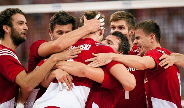 Polska i Francja wygra�y swoje grupy. Kto z kim i kiedy zmierzy si� w p�fina�ach?