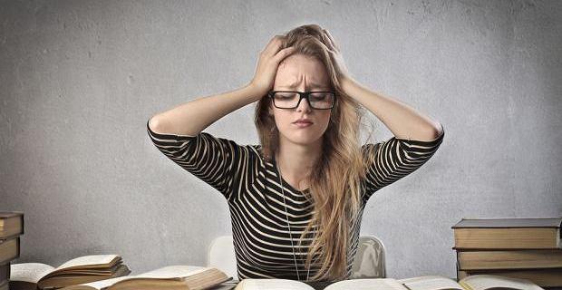Stres skraca życie. Jak organizm reaguje na życie w napięciu? Gdzie widać szkody?