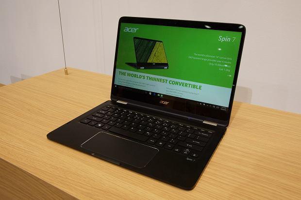 acer bije rekordy w sektorze laptop w ten notebook wa y 8 kg i ma zakrzywiony ekran. Black Bedroom Furniture Sets. Home Design Ideas