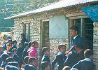 Dyrektor szko�y w Nepalu odkry�, jak zarobi�