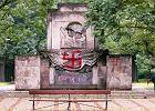 """Pomnik Żołnierzy Radzieckich zniknie z parku Skaryszewskiego. """"Wyzwalał agresję"""""""