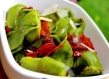 Zielone tortellini z serowym farszem - ugotuj