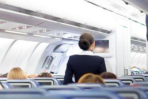 Stewardesy i pilotki na kontraktach w PLL LOT nie mają z czego żyć, jeśli zajdą w ciążę. - Ta praca to najlepsza antykoncepcja - mówią