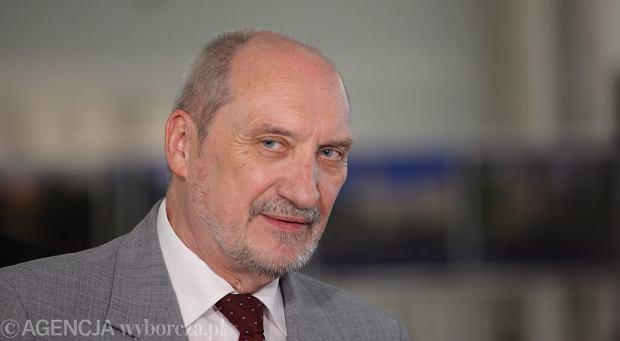 Nowy minister MON Antoni Macierewicz
