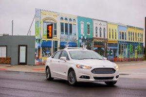 """Ford testuje samochody w """"autonomicznym"""" miasteczku"""