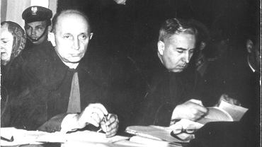 Mecenas Miron Kołakowski (z prawej) na rozprawie w częstochowskim sądzie. Obok Ryszard Halkiewicz