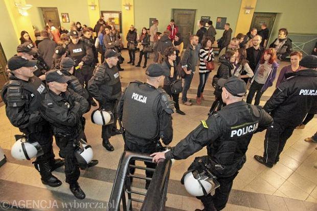 Interwencja policji podczas wykładu pt.