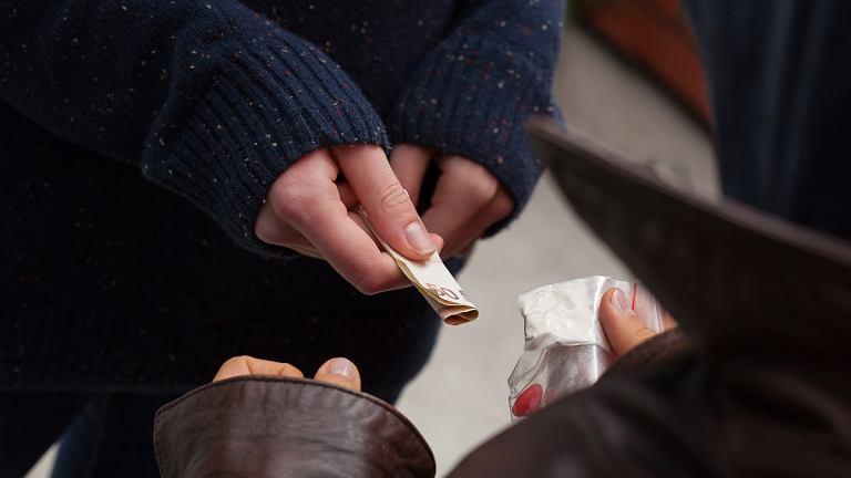 Mefedron to narkotyk wykazujący właściwości zbliżone do amfetaminy lub ecstasy