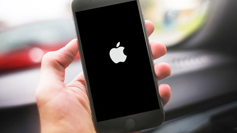 Ustawiając datę 1.01.1970 trwale blokujemy iPhone'a