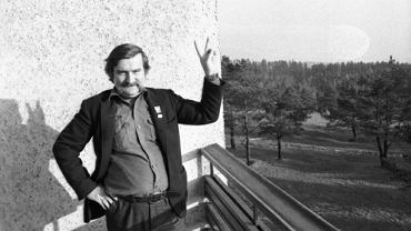 Arłamów, 15 listopada 1982 r. Lech Wałęsa w dniu zwolnienia z internowania. Przywódca 'Solidarności' pozostawał odizolowany od świata przez 11 miesięcy i dwa dni. W ośrodku Ministerstwa Spraw Wewnętrznych w bieszczadzkim Arłamowie spędził ponad pół roku.