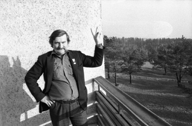 Internowany Lech Wałęsa miesiącami grał z władzą. Nie dał się zaszantażować ani kupić [ROZMOWA Z TOMASZEM KOZŁOWSKIM]