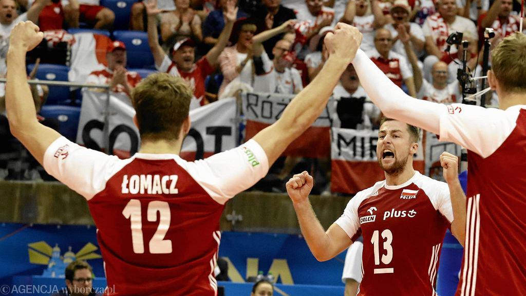 Grzegorz Łomacz i Michał Kubiak podczas meczu Polska - Iran. Mistrzostwa Świata w Piłce Siatkowej Mężczyzn 2018, Bułgaria, Warna, 17 września 2018