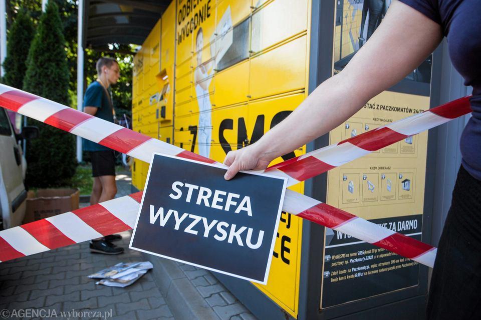 Protest pod paczkomatem Inpostu w Krakowie