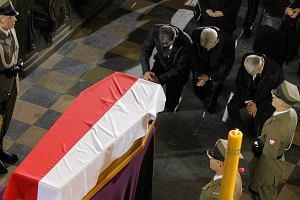 """Wnuczka Tadeusza Mazowieckiego na pogrzebie: """"Jeste�my tu wszyscy, tak jak lubisz"""" [PRZEM�WIENIE]"""