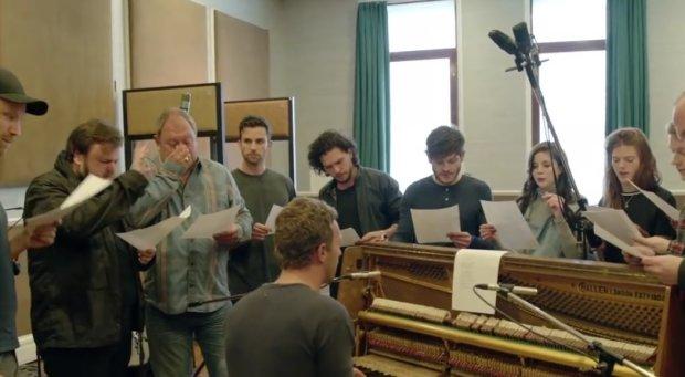 Lider Coldplay napisał piosenki do scenicznej wersji serialu dla Jona Snowa, Tyriona, Daenerys, Ygritte, Jamiego Lannistera i innych bohaterów