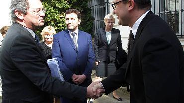 Przedstawiciel Komisji Weneckiej Ben Vermeulen (z lewej) przed spotkaniem z rzecznikiem praw obywatelskich Adamem Bodnarem. Warszawa, 29 kwietnia 2016 r.