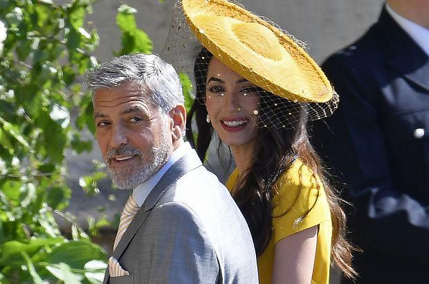 Amal i George Clooneyowie czekali 10 minut w samochodzie, zanim zostali wpuszczeni na królewskie wesele.