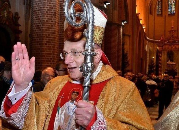 Bp W�tkowski: Europa Zachodnia na naszych oczach pope�nia duchowe samob�jstwo