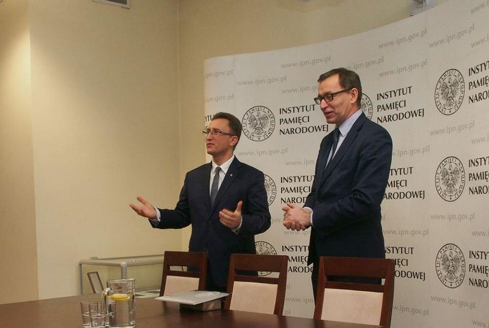 Jarosław Szarek, prezes IPN i Dariusz Rogut, nowy dyrektor łódzkiego oddziału.