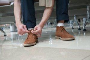 Akademia stylu: jak dbać o buty skórzane i zamszowe