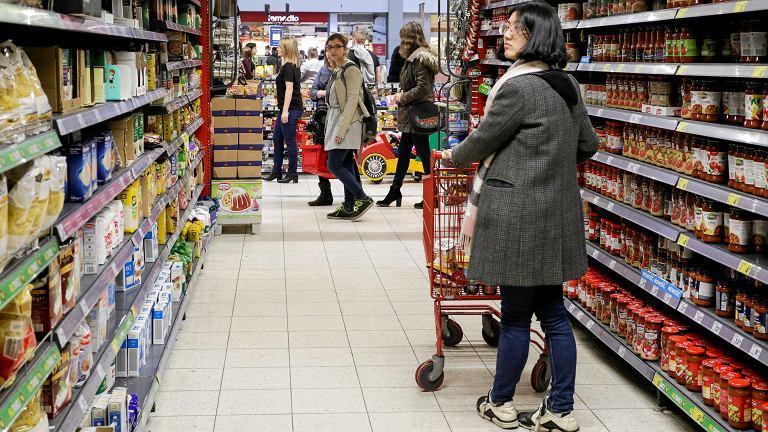 Niedziele handlowe 2018. Czy 12 sierpnia otwarte będą sklepy Lidl, Auchan, Tesco, Biedronka?