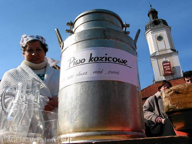 Tradycyjnym kurpiowskim wiejskim napojem jest kozicowe psiwo (piwo)