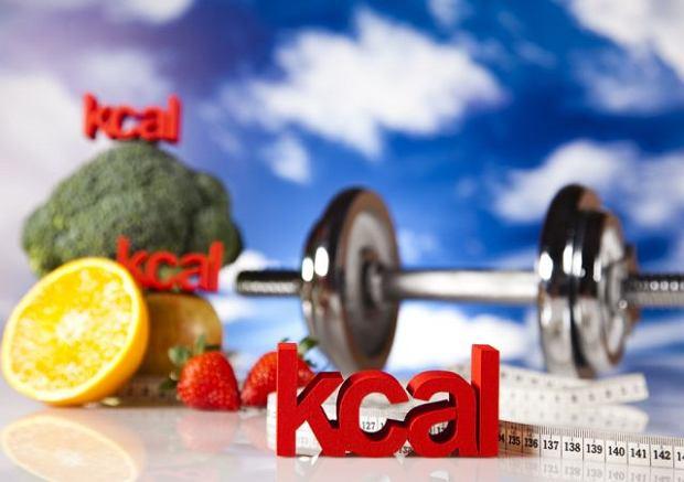 Jak obliczy� warto�� energetyczn� posi�ku, czyli ile to ma kalorii?