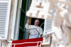 Watykan przyjmie dwie rodziny uchod�c�w. Dostan� mieszkania blisko papie�a