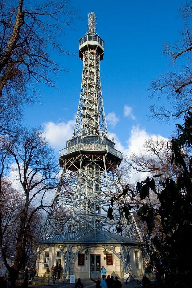 Kopia wieży Eiffla na wzgórzu Petrzin w Pradze, Czechy / fot. Shutterstock