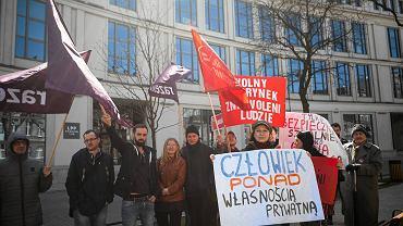 Protest przed siedzibą LPP