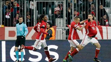 Robert Lewandowski cieszy się z gola strzelonego Atletico