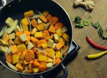 Wegetaria�skie curry z dyni� - ugotuj