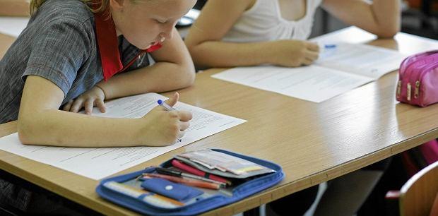 Mali Finowie nie b�d� si� uczyli odr�cznego pisania? Wyja�niamy, jak jest naprawd�