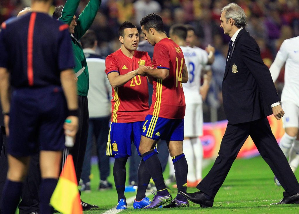 Hiszpania - Anglia. Santi Cazorla zmienia Thiago Alcantarę