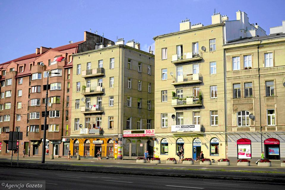 'Kolekcjoner kamienic' na �aw� oskar�onych trafi dzi�ki lokatorom z Pragi. Ich dom przy Targowej 66 mia� by� kolejn� pozycj� na li�cie nieruchomo�ci, kt�re przej��