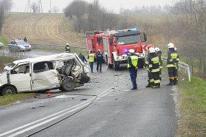 Bus z piłkarzami zderzył się z ciężarówką. 4 osoby nie żyją, 4 osoby są ranne