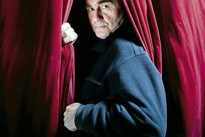 """Jan Peszek i jego 50 lat na scenie. """"Zmieniaj kierunek, miejsce, szukaj bodźców"""""""