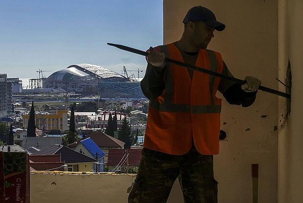 """Przed igrzyskami w Rosji: w Soczi """"czarni"""" zrobili swoje i powinni odej�� bez zap�aty"""