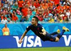 """Mundial 2014. Van Persie: """"Gol z Hiszpani� to najpi�kniejsza bramka mojej kariery""""."""