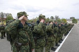 Białorusini wstrząśnięci śmiercią 21-letniego żołnierza. Odsłoniła kwitnącą w wojsku korupcję i przemoc