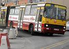 Nastolatka przytrza�ni�ta w drzwiach autobusu. Rodzina chce odszkodowania