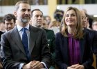 Król Hiszpanii dla przykładu obciął sobie pensję