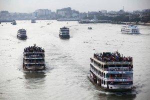 Bangladesz: zaton�� prom z 200 osobami na pok�adzie