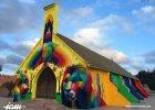 Opuszczony kościół w Maroku zmienił się w barwną instalację