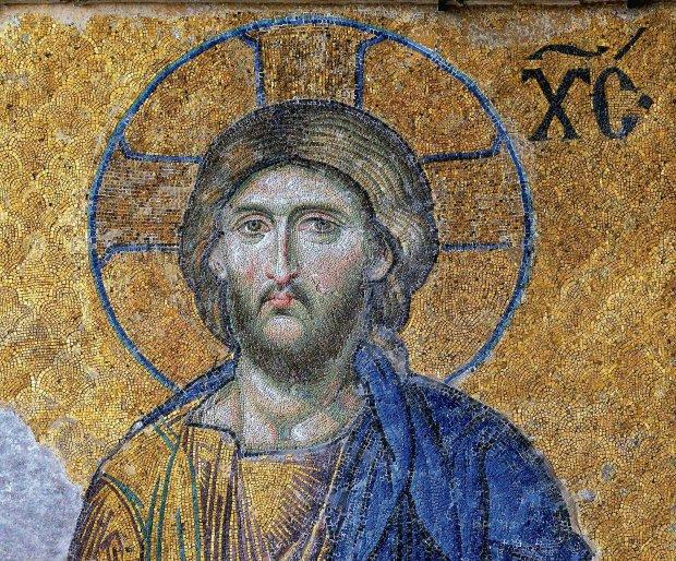 Chrystus błogosławiący wiernych - fragment mozaiki znajdujący się w południowej galerii Hagia Sophia i przedstawiający tzw. Deesis, czyli Jezusa między Marią i Janem Chrzcicielem. Dzieło o wyjątkowo subtelnej kolorystyce uchodzi za jedno z najpiękniejszych w kościele Mądrości Bożej. Powstało ok. 1300 r. po odzyskaniu Konstantynopola przez Greków. W 1932 r. mozaika została odsłonięta spod tynku