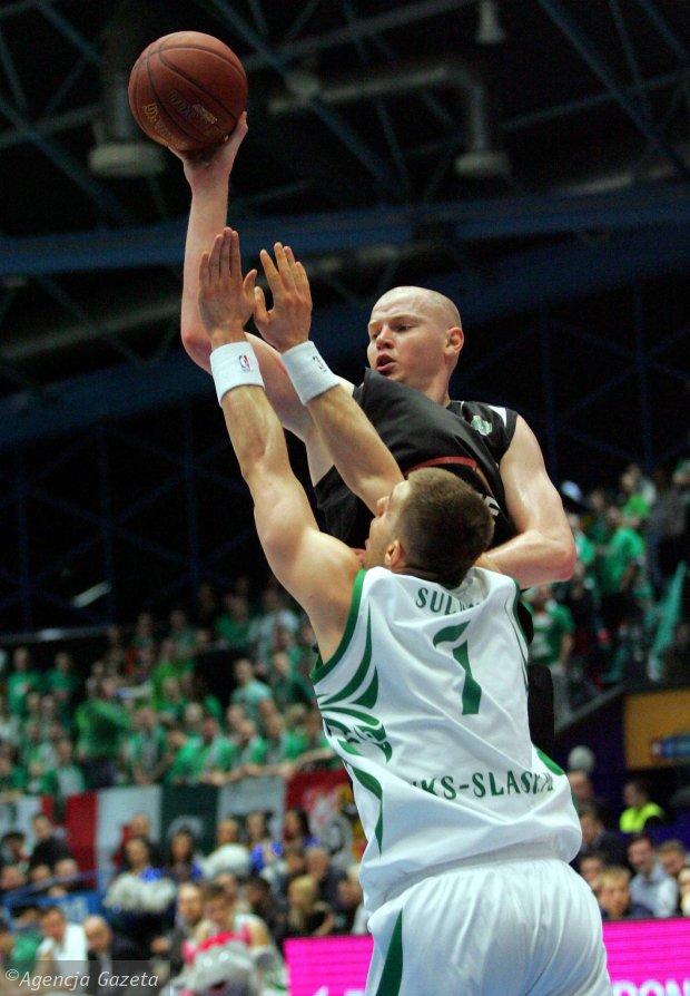 Zdjęcie numer 2 w galerii - Koszykówka. Damian Kulig zadziwia Europę.