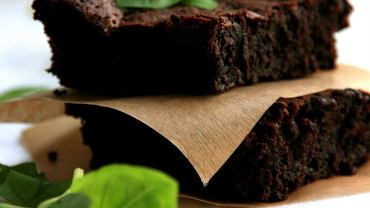 Lemon & basil brownie