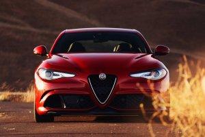 Nareszcie! Pierwsza Alfa Romeo Giulia zjecha�a z ta�my produkcyjnej