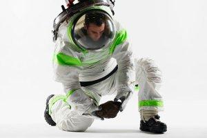 Pom� NASA wybra� - zag�osuj na skafander dla zdobywc�w Marsa
