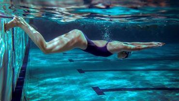 Trening pływacki to dobry sposób na odchudzanie.